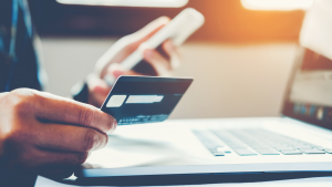 Read more about the article 4 Reasons Why You Need a Credit Card
